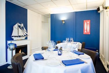 http://www.uitetenin.nl/database/restaurant_fotos/eetkamer[1].jpg